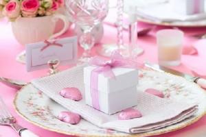 Скидки на подарки и посуду к 8 марта до 30%